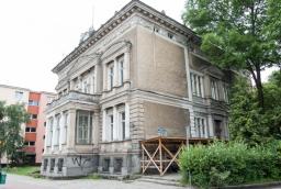 Dawna willa ludowców w Szczecinie przed renowacją (czerwiec 2016 r.)  /fot.: ak /