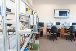 Laboratorium 255 Instytutu Inżynierii Chemicznej i Procesów Ochrony Środowiska na Wydziale Technologii i Inżynierii Chemicznej ZUT  /fot.: ak /