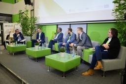 dyskusyjnego mówili o produktach i usługach, a także najnowszych trendach  /fot.: mab /