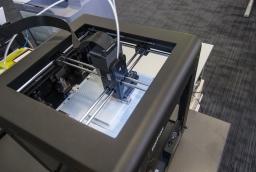 Na drukarce Zortrax Bardins realizuje zlecenia dla swoich klientów  /fot.: ak /