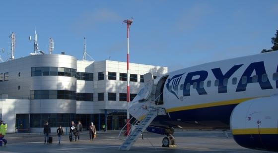 Coraz większy ruch na lotnisku w Goleniowie. Będą nowe loty