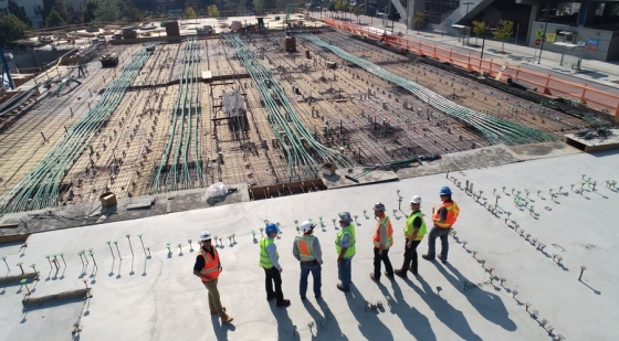 Brak pracowników i opóźnione dostawy utrudniają pracę firmie budowlanej [BIZNES W CZASACH ZARAZY]