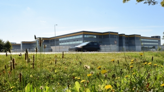 Hala w Kołbaskowie pod Szczecinem, w której działa centrum Amazon. /fot.: mab /