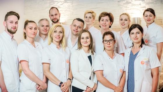 Zespół Centrum Medycznego Słowik w przyjazny i odpowiedzialny sposób dba indywidualnie o każdego pacjenta.