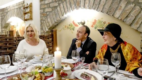 Irina Nikolenko (Restauracja Ukraineczka), dr Mariam Pirveli (Uniwersytet Szczeciński), Angelo Rella, konsul honorowy Włoch w Szczecinie /fot.: Robert Siwa / Świat Biznesu /