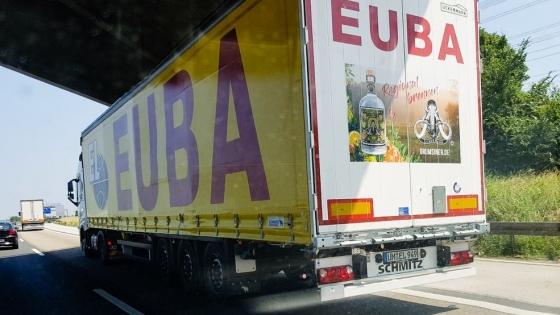 Ciężarówki firmy Euba promują firmy, produkty i usługi z powiatu Uckermark /fot.: mat. ICU /