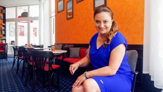 Goście upodobali sobie nową markę Vienna House oraz wyjątkową atmosferę panującą w hotelu i chętnie do nas wracają. W następnym sezonie chcielibyśmy im się pokazać w zupełnie nowej odsłonie – mówi Monika Kowalska, dyrektor generalny Vienna House Amber Baltic Międzyzdroje.