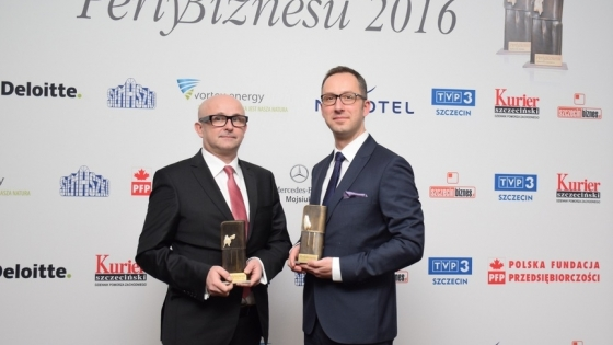 Od lewej: Artur Zawartko, wiceprezes zarządu Gaz System SA i Jakub Borowczyk, dyrektor zarządzający firmy brightONE /fot.: mab /