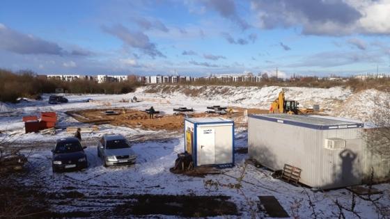 Rozpoczęła się budowa stacji paliw przy rondzie Hakena. W pobliżu znajdzie się centrum handlowe. /fot.: SG /