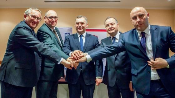 od lewej: Krzysztof Jałosiński, Wiceprezes Grupy Azoty, Prezes Zarządu Grupy Azoty Zakłady Chemiczne