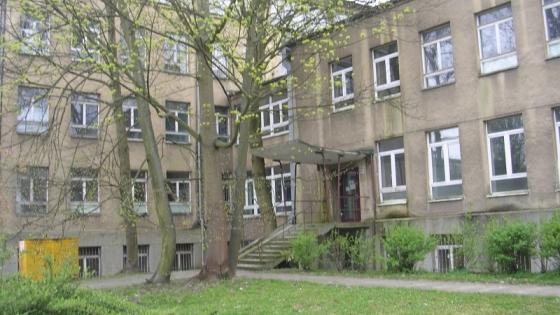 Budynek dawnego szpitala przy ul. Janosika 1 /fot.: ata /